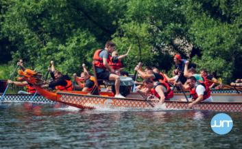 Гонки на лодках драконах - dragonboat